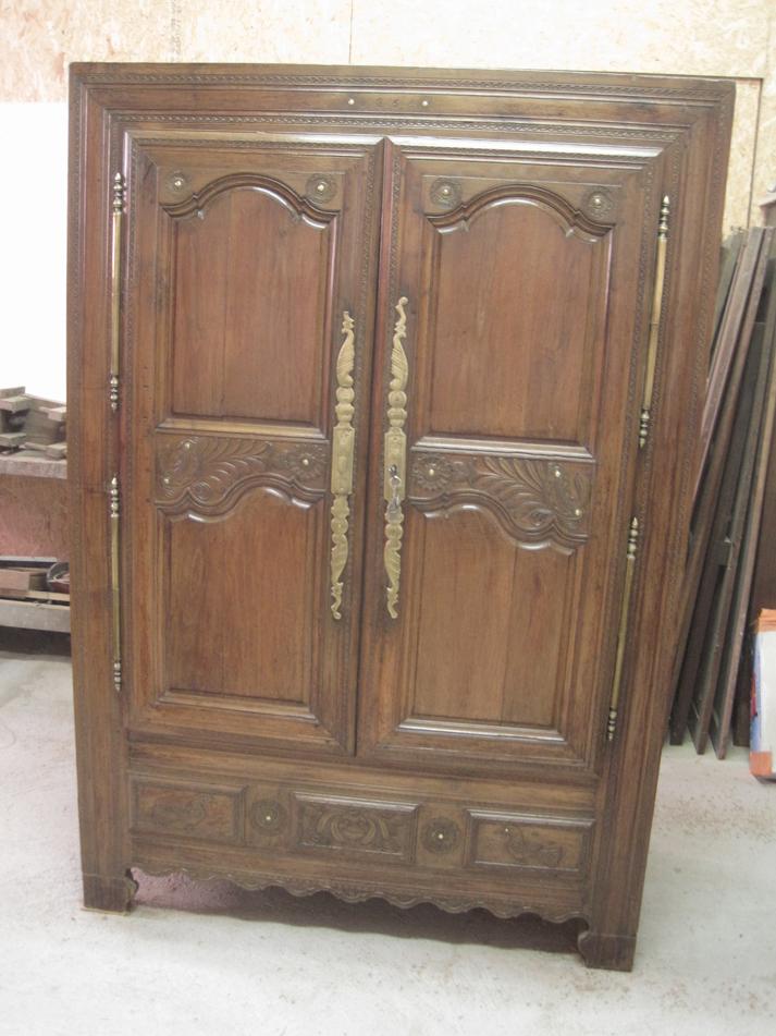 Armoire de mariage lignes d 39 art restauration de meubles - Cerusage de meuble ...